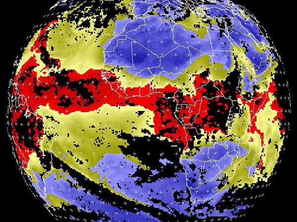 Produits climatologiques satellitaires pour la surveillance de la convection au-dessus de l'Afrique de l'Ouest et du Centre