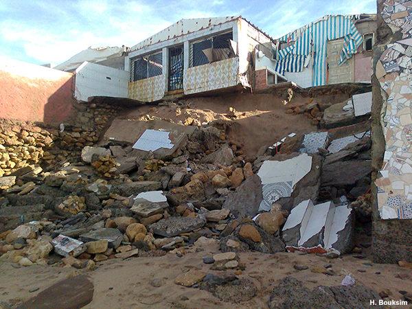 Phénomènes extrêmes de forte houle sur les côtes atlantiques marocaines